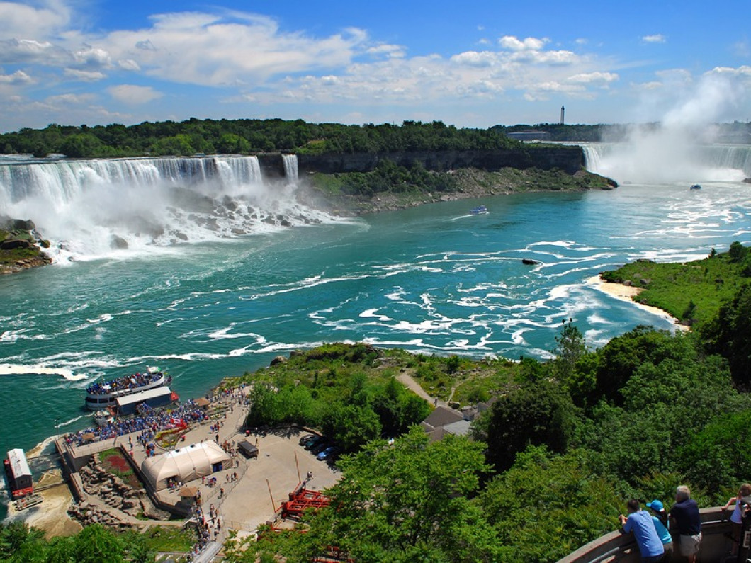 Niagara Falls (Canadian) & Toronto(5 days 4 nights) $539....$75 deposit due by 2/11/18